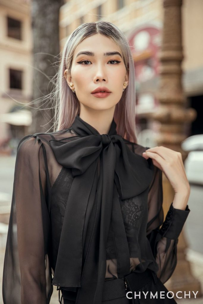 How to wear a see through top? 6