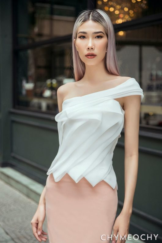 Lamé One-Shoulder Top 1