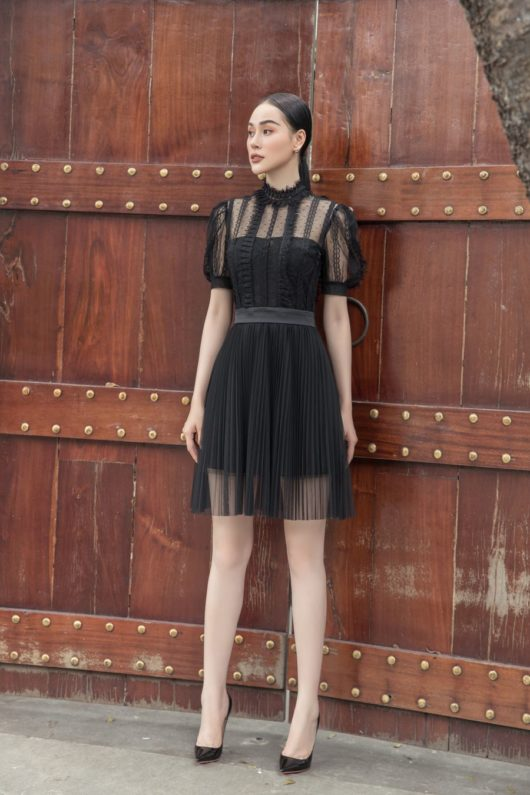 Black Lace Puff-Sleeves Dress 3