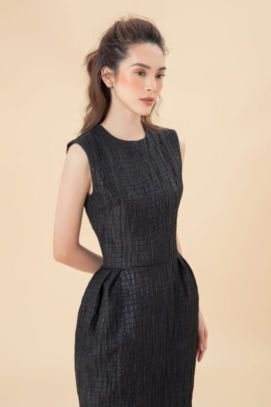 Black Sleeveless Longuette Dress 3